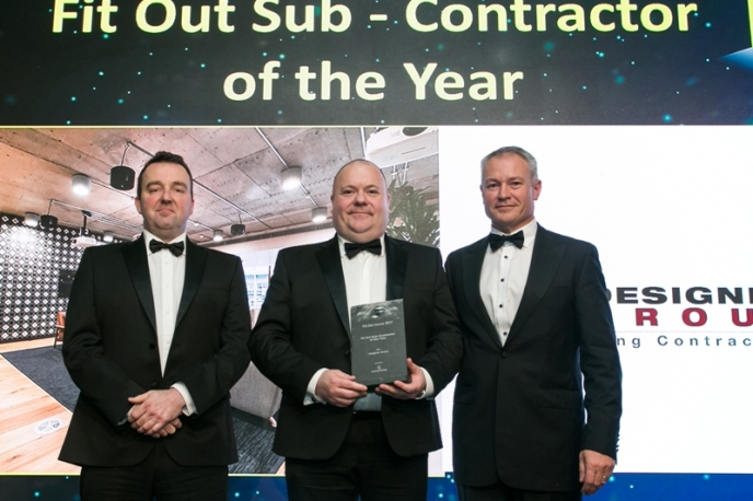 Niall Rock presents Fit Out Sub-Contractor of the year at the recent Fit Out Awards 2017